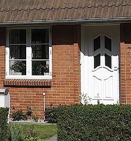 Montering af vinduer og døre i 5462 Morud